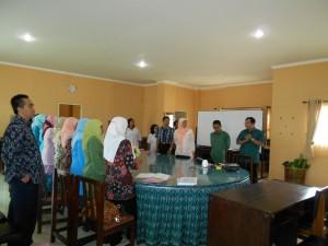 Dr.Sugiman memberikan pengarahan