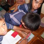 Siswa kelas 3 SD Kristen Tunas Bangsa, sedang berdiskusi